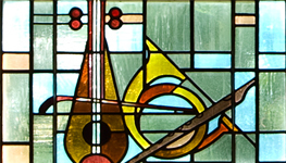 photo of stained glass lute_horn